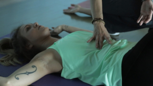 checking the breath, t-spine mobility Sue Falsone